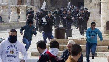 Brawl at Aqsa Mosque after Jewish settlers perform rituals